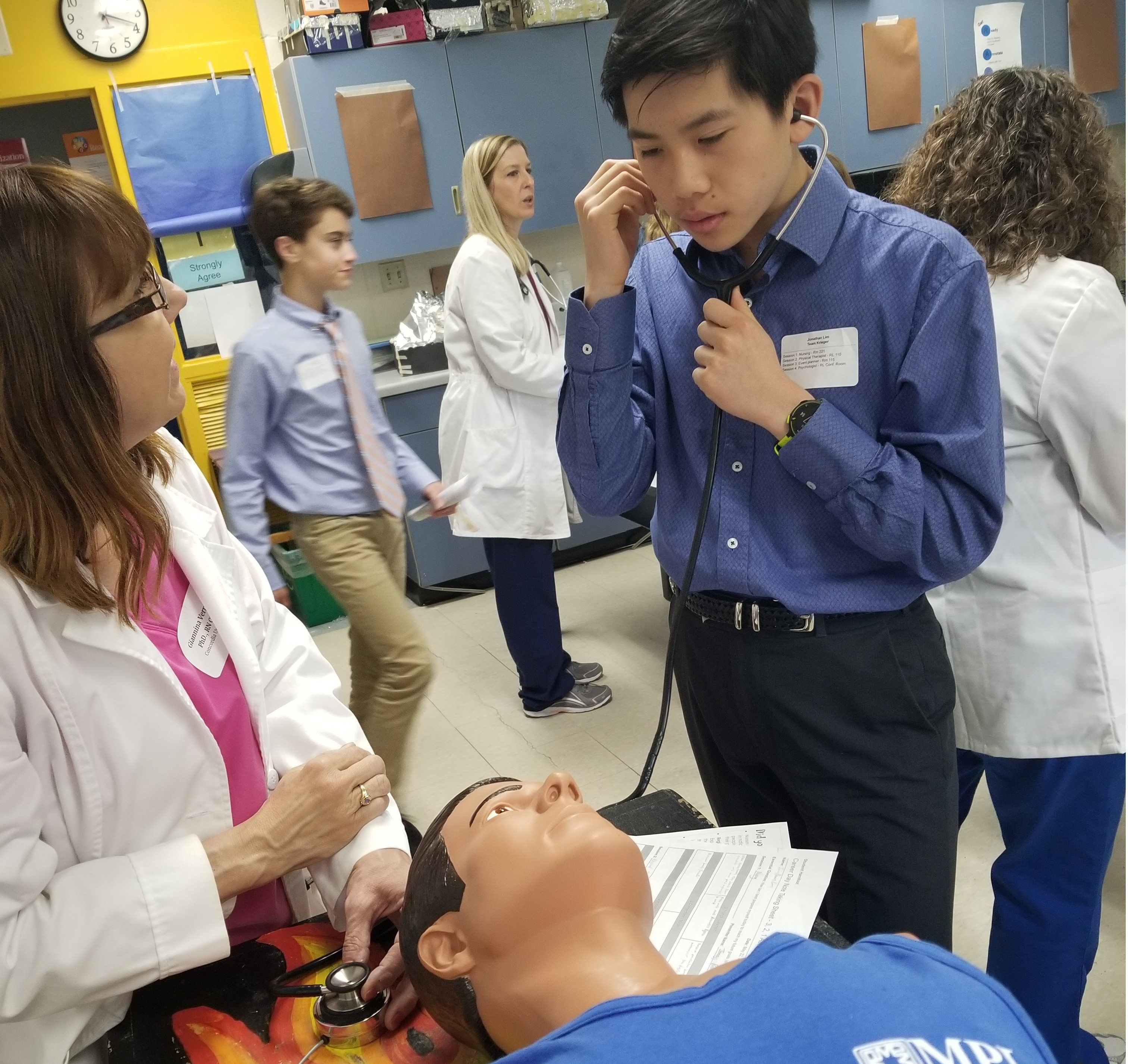 Community Members Help Middle School Students Explore Career Options